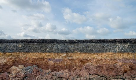 Étude des sols pour prévenir les risques naturels à Frontignan